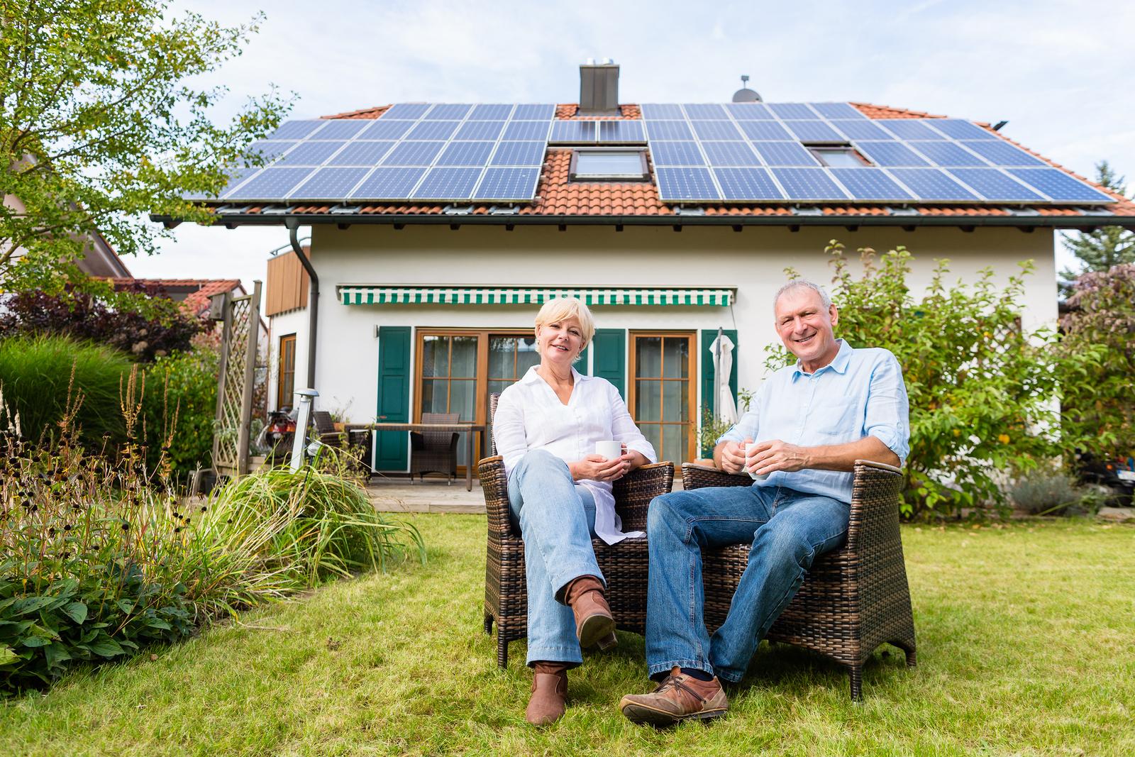 happy solar couple